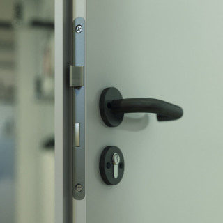 Metal BASIC incl. manija y marco de puerta blanco DIN 100 L